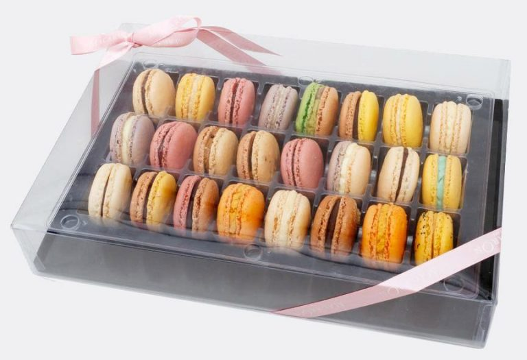 Large Classic Gift Box of Macarons