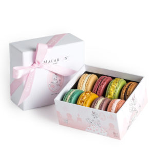 MacaronCafe-Small-Luxury-Gift-Box-Manhattan